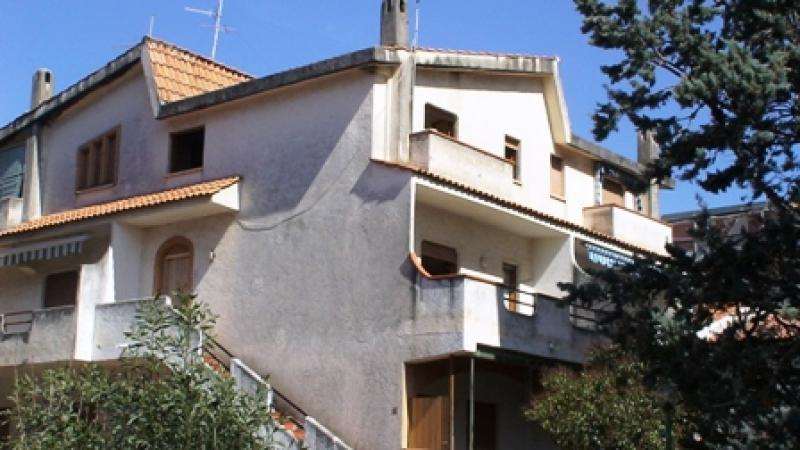 Scalea house inexpensively