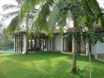 lovely house sale with pool Battaramulla South