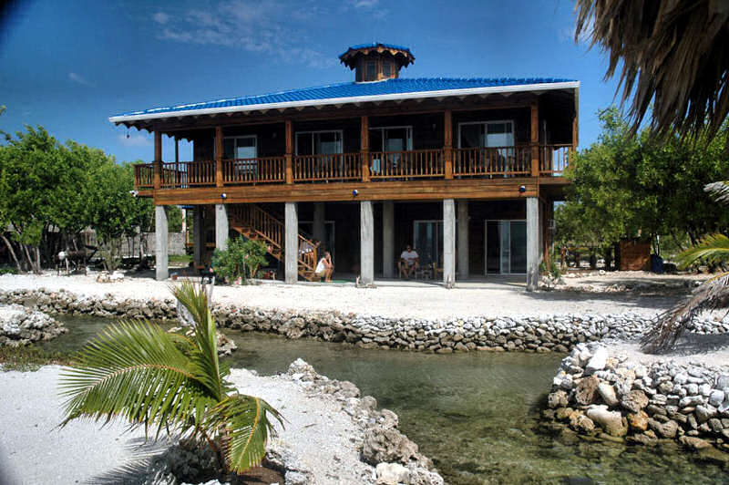 Paradise Regained Beach House Utila