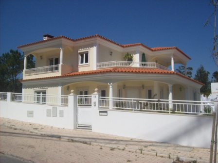 4 Bedrooms detached villa S.martinho Do Porto