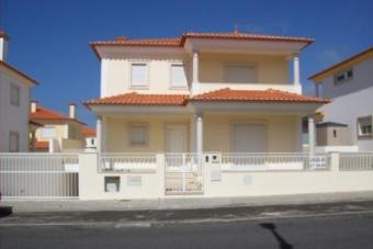 4 Bedrooms detached villa Nazaré