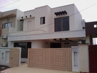 10 Marla Beautiful House 4 Sale Lahore