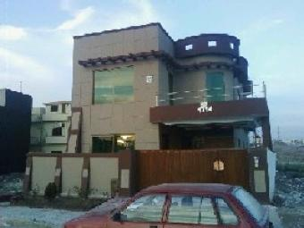 luxury 4bed house at Bahria town Islamabad