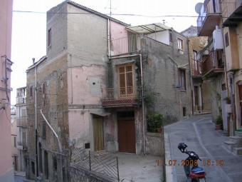 Large Townhouse with Terrazza Cianciana