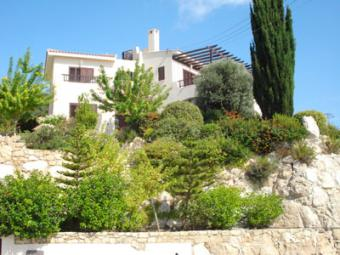 3-4 br cozy villa with sea views Paphos
