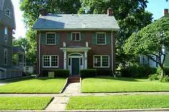 $600 /4br - Great two story home Springfield