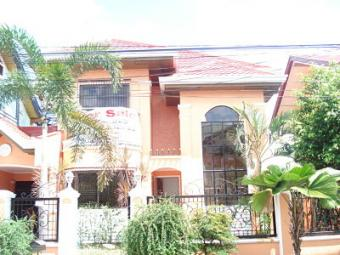 FOR SALE: 2 Storey House Zapote
