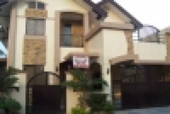 Single-detached Corner Lot House Paranaque