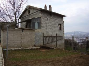 Small cozy house for sale Varna