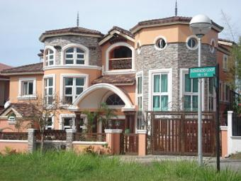 FOR SALE: 3 STOREY HOUSE Cavite