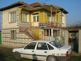 Double storey house on the river Yambol