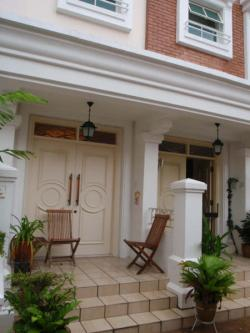 KEW GREEN TOWNHOUSE FOR SALE East Coast