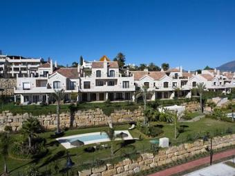 Buy townhouse in Costa del Sol Estepona