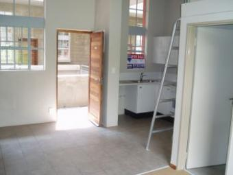 New Upmarket Studio Apartment. Houghton Estate, Johannesburg
