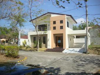 House for Rent in Sto. Tomas Batangas