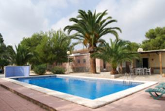2 properties in 1 with a pool La Marina