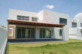 3 Bdr Luxury Finished House Queretaro