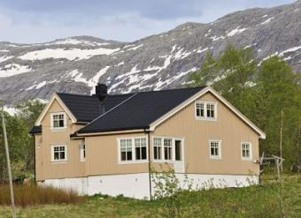 House for sale in North-Norway Leirfjord