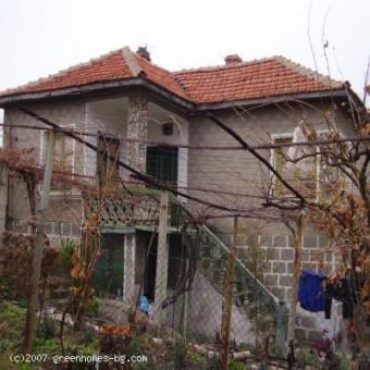 This conventional house, buried Yambol