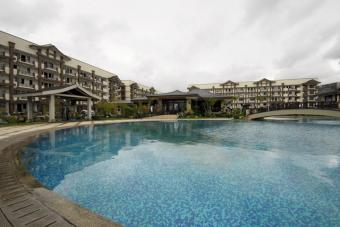 ROSEWOOD POINTE,resort-living! Taguig