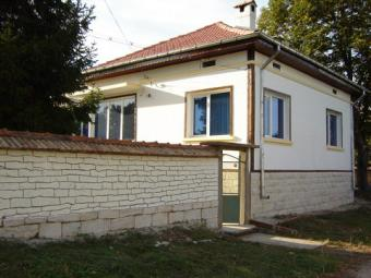 Renovated house ready to move. Ruse