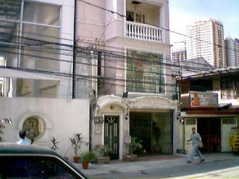 FOR SALE: 3 Flrs House Guadalupe Station