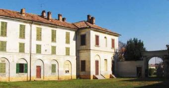Ancient Farmhouse for Sale Pavia