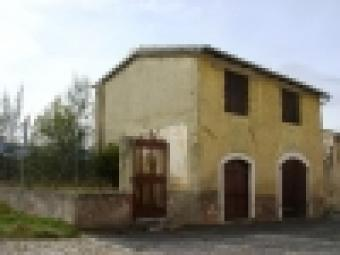 4585 - Detached house to restore Navelli