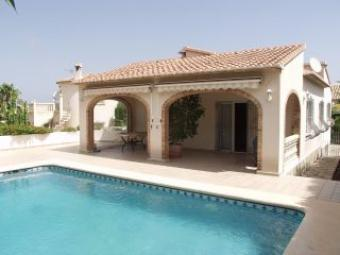 A lovely villa with pool Denia