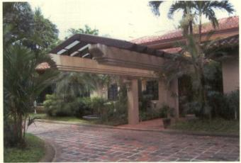 South Forbes House & Lot Makati