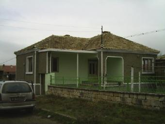 RENOVATED HOUSE AND ONE OLD Vetrino