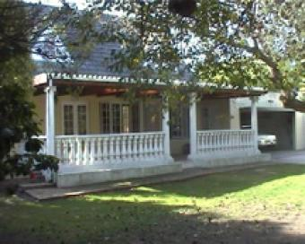 lovely house in TableView to let Cape Town