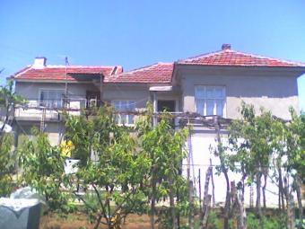2 Bulgarian houses on the price Yambol