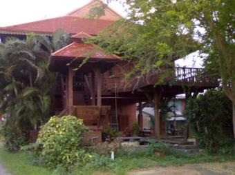 Teak House for Sale THB 9.5 Mil. Chiang Mai