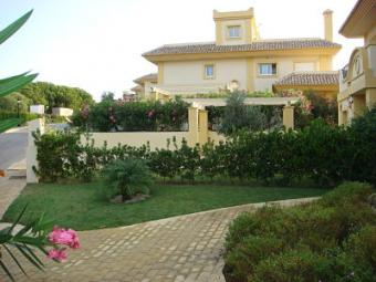 Semi detached villa to rent San Roque Golf Club