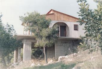 100 METRES FROM THE SEA Corinth