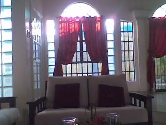 EXEC  HOUSE w/ POOL  TO RENT Paranaque