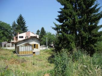 Sell plot 1000 m2 with old house Sofia