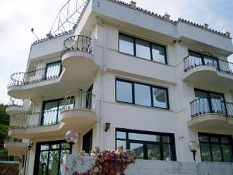 3storey equipped hotel near sea Dobrich County