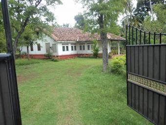 COLONIAL HOUSE FOR RENT Galle