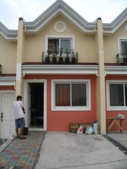 Nicole TownHouse Globe Asiatique Binangonan