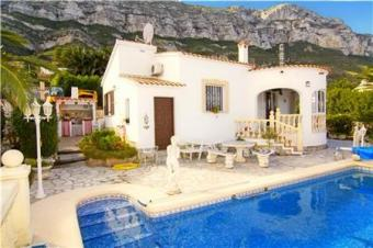 Very neat villa with pool Denia