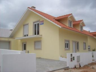 4 Bedrooms detached villa Alcobaça