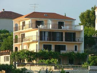 APARTMENTS FOR RENT NEAR CENTER Trogir