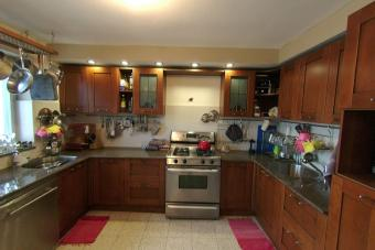 4br/3ba BRIGHT AND SPACIOUS apt Jerusalem