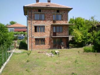Village house for live Radomir