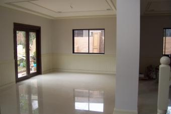 Corner Lot house with 5Bedrooms Paranaque