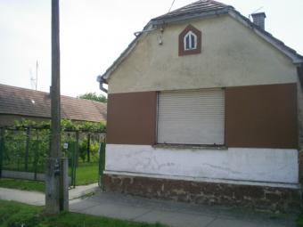 farmhouse for sale Dravastara