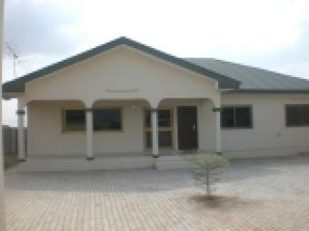 3 Bedrooms At Community 25 Tema