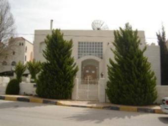 Luxury villa consists of three f Dapouq